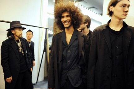 yohji-yamamoto-paris-mens-autumn-winter-2015-backstage-11