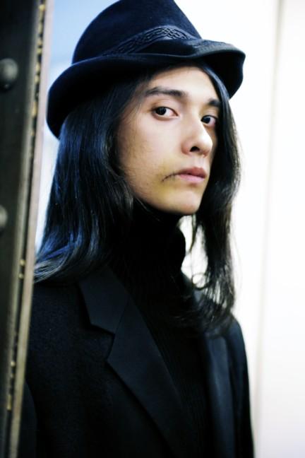 yohji-yamamoto-paris-mens-autumn-winter-2015-backstage-13