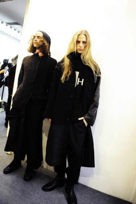 yohji-yamamoto-paris-mens-autumn-winter-2015-backstage-30