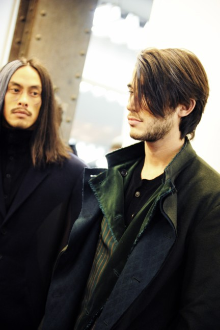 yohji-yamamoto-paris-mens-autumn-winter-2015-backstage-32