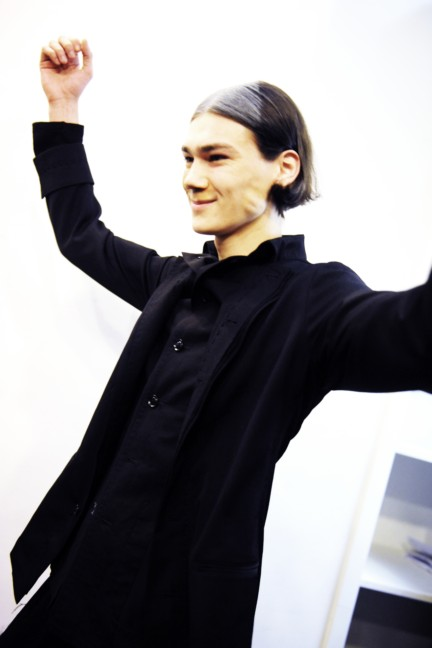 yohji-yamamoto-paris-mens-autumn-winter-2015-backstage-39