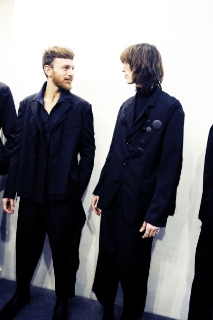yohji-yamamoto-paris-mens-autumn-winter-2015-backstage-6