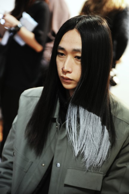 yohji-yamamoto-paris-mens-autumn-winter-2015-beauty-13