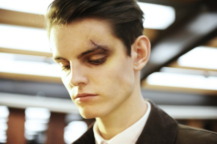yohji-yamamoto-paris-mens-autumn-winter-2015-beauty-14