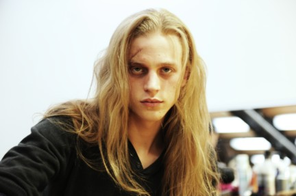 yohji-yamamoto-paris-mens-autumn-winter-2015-beauty-16
