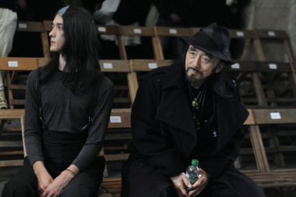 yohji-yamamoto-paris-mens-autumn-winter-2015-beauty-29
