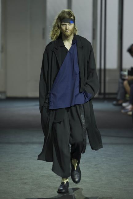 yohji-yamamoto-paris-mens-ss-17-backstage