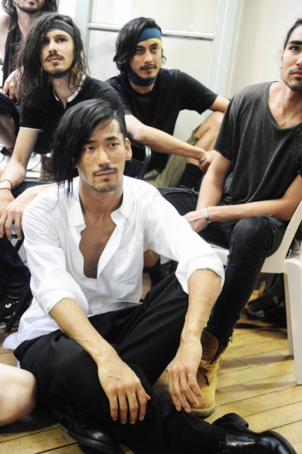 yohji-yamamoto-paris-mens-ss-17-12