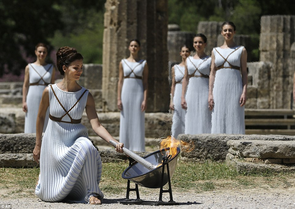 The Beautiful Olympic Flame-Lighting Ceremony For PyeongChang 2018 - Fashion Show Images  sc 1 st  Fashion Show Images & The Beautiful Olympic Flame-Lighting Ceremony For PyeongChang 2018 ...